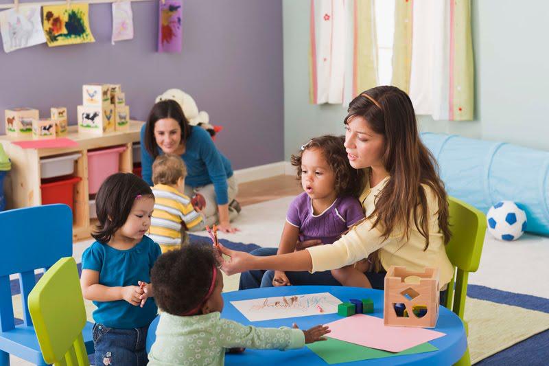 CURSO DE FORMACIÓN DE PROFESIONALES DE PRIMER CICLO DE EDUCACIÓN INFANTIL